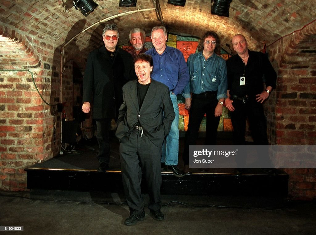 CLUB Photo of Mick GREEN and Paul McCARTNEY and David GILMOUR, posed, with 'Run Devil Run' band - L-R: Mick Green, Pete Wingfield, David Gilmour (Dave Gilmour), Ian Paice, ?