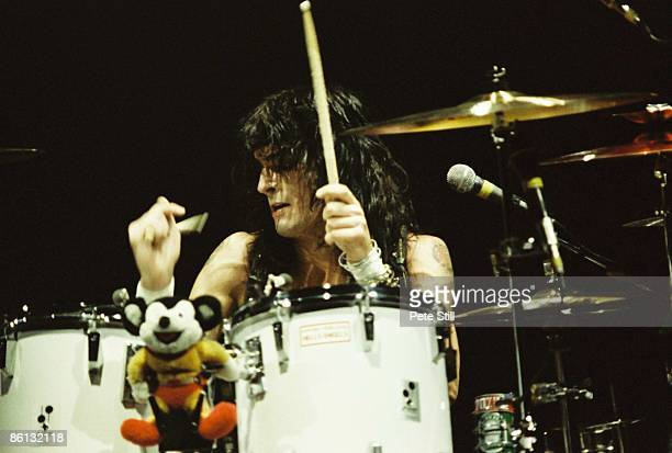 ODEON Photo of MOTLEY CRUE Tommy Lee performing live onstage