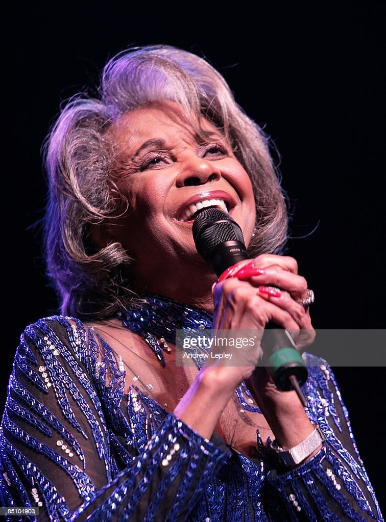 FESTIVAL Photo of Nancy WILSON, performing live onstage