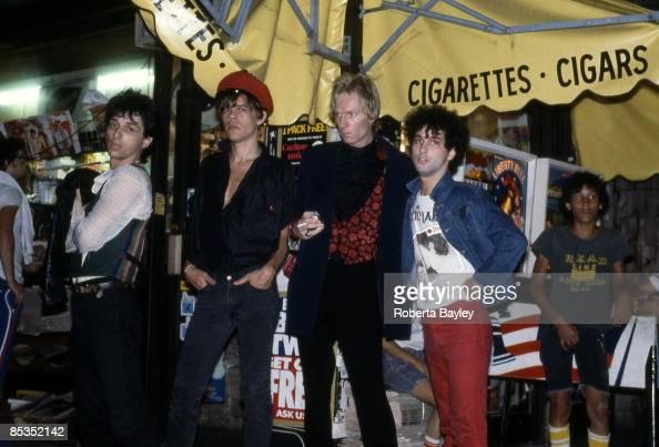 Photo of NEW YORK DOLLS LR Johnny Thunder David Johanssen Jerry Nolan and Sylvain Sylvain Group portrait