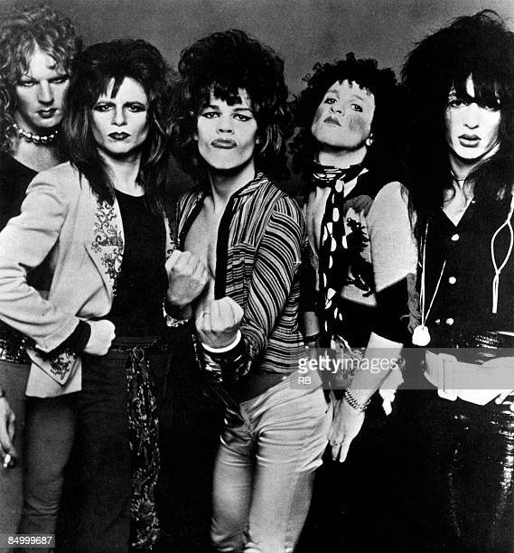 Photo of NEW YORK DOLLS Posed group portrait of the New York Dolls