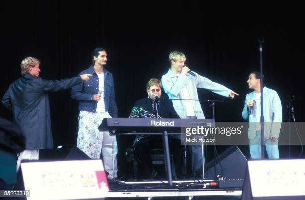 PARK Photo of Nick CARTER and AJ McLEAN and Elton JOHN and Brian LITTRELL and BACKSTREET BOYS and Howie DOROUGH with The Backstreet Boys LR Brian...