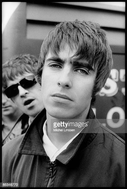 NETHERLANDS Photo of Noel GALLAGHER and OASIS and Liam GALLAGHER LR Noel Gallagher Liam Gallagher posed