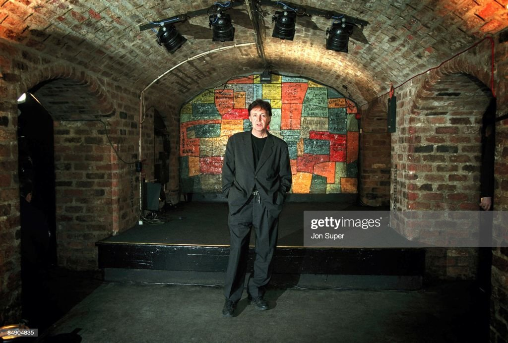 CLUB Photo of Paul McCARTNEY, posed, in front of the stage at press call for Run Devil Run gig