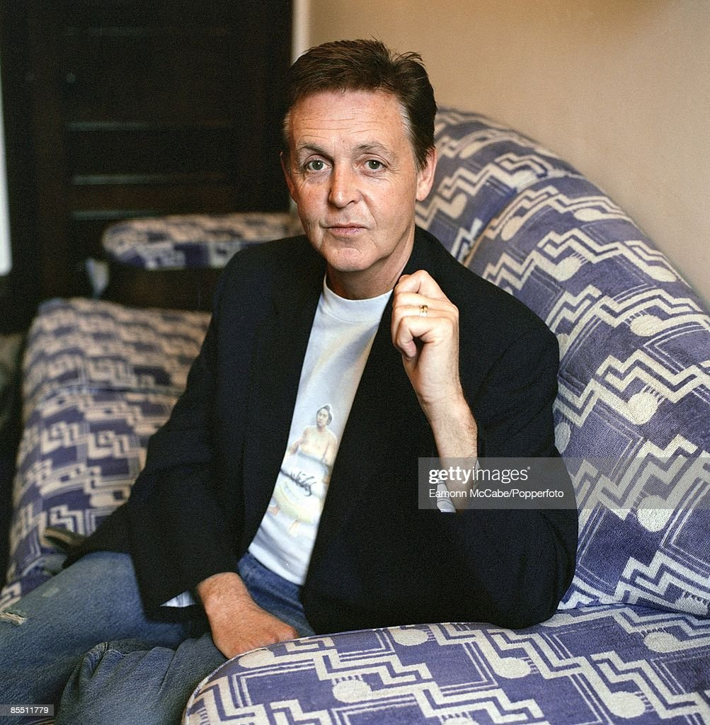 Photo of Paul McCARTNEY; posed
