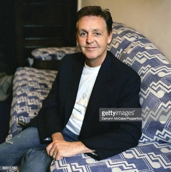 Photo of Paul McCARTNEY posed