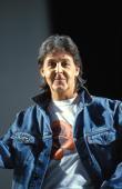Photo of Paul McCARTNEY posed studio