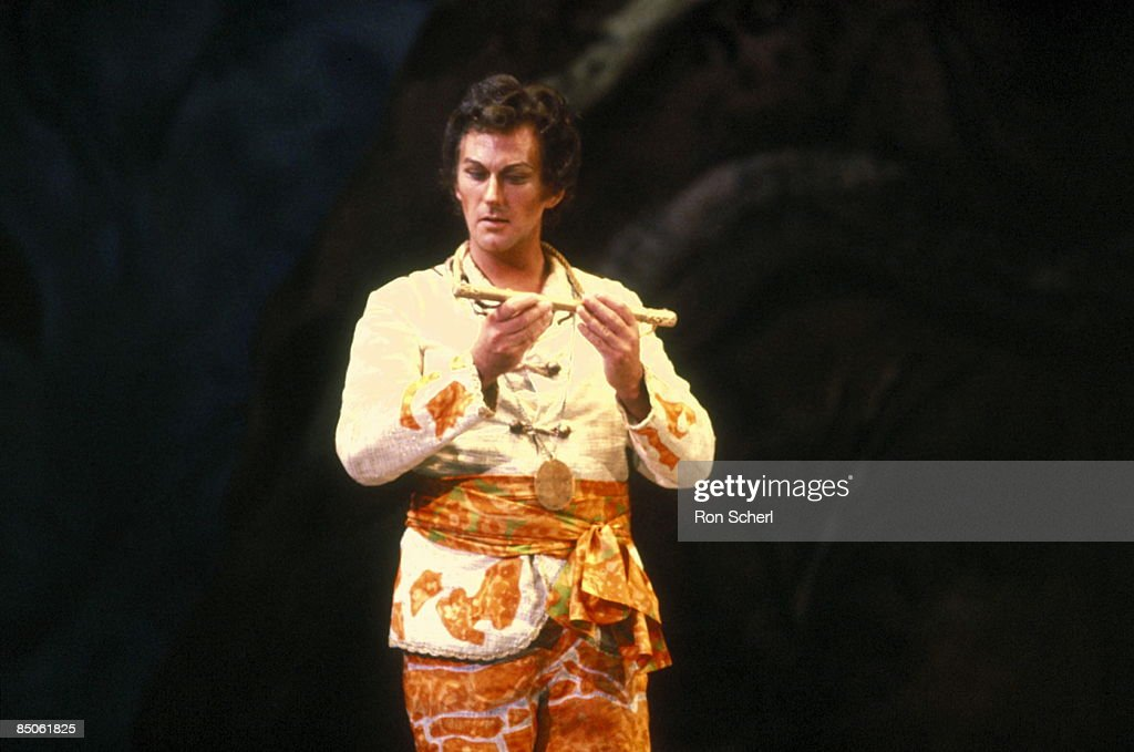 HOUSE Photo of Perry PRICE and THE MAGIC FLUTE Perry PriceTamino
