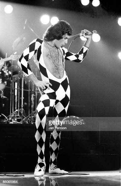 Photo of QUEEN and Freddie MERCURY Freddie Mercury performing live onstage