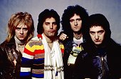 NASSAU COLISEUM Photo of QUEEN and Roger TAYLOR and Freddie MERCURY and Brian MAY and John DEACON Posed studio group portrait LR Roger Taylor Freddie...