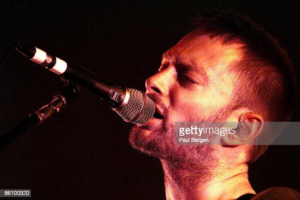 PARK Photo of RADIOHEAD Thom Yorke performing live onstage