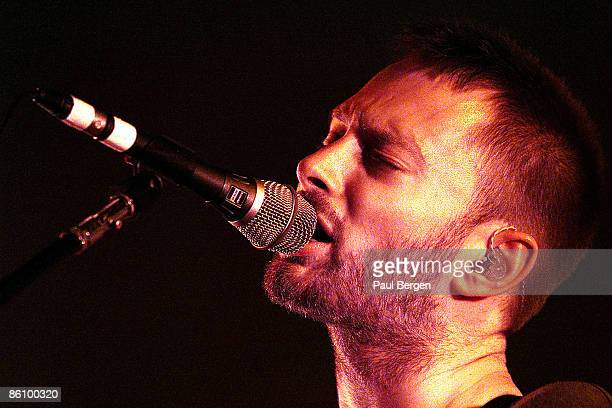 PARK Photo of RADIOHEAD Thom Yorke performing live onstage