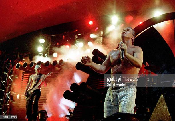 FESTIVAL Photo of RAMMSTEIN Roskilde MusikFestival 1998 Rammstein live in Concert in action Querformat