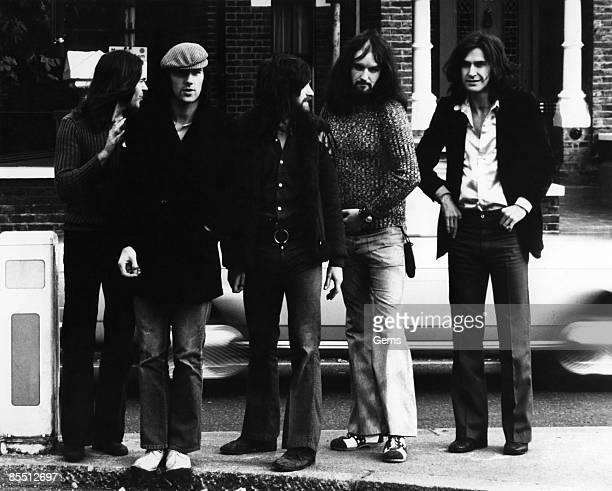 HIGHGATE Photo of Ray DAVIES and KINKS and John GOSLING and John DALTON and Dave DAVIES and Mick AVORY LR John Dalton Mick Avory Dave Davies John...
