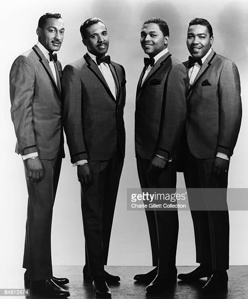 Photo of Renaldo BENSON and Abdul FAKIR and FOUR TOPS and Lawrence PAYTON and Levi STUBBS studio posed LR Abdul 'Duke' Fakir Levi Subbs Renaldo...