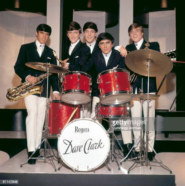 Photo of Rick HUXLEY and Dave CLARK and DAVE CLARK FIVE and Denis PAYTON and Lenny DAVIDSON and Mike SMITH LR Denis Payton Rick Huxley Mike Smith...