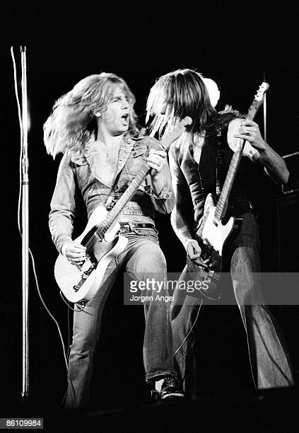Photo of Rick PARFITT and Francis ROSSI and STATUS QUO Rick Parfitt Francis Rossi