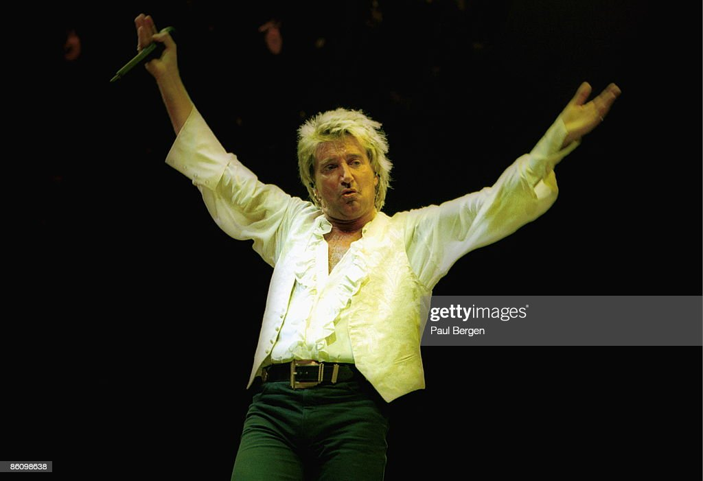ROTTERDAM Photo of Rod STEWART, 20-6-1995 Rotterdam,Ahoy, <a gi-track='captionPersonalityLinkClicked' href=/galleries/search?phrase=Rod+Stewart&family=editorial&specificpeople=160467 ng-click='$event.stopPropagation()'>Rod Stewart</a>
