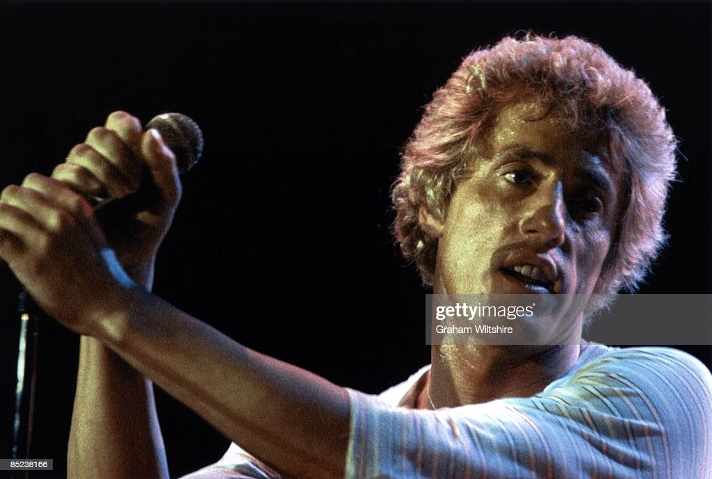 ARENA Photo of Roger DALTREY and The Who Roger Daltrey performing live onstage