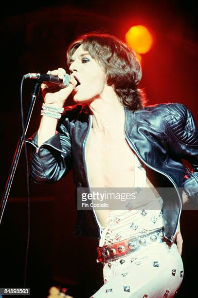 VUE Photo of ROLLING STONES and Mick JAGGER Mick Jagger performing on stage