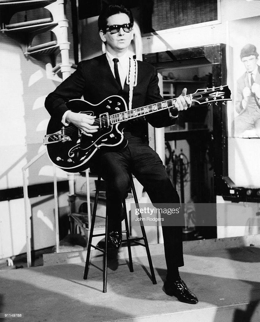 GO Photo of Roy ORBISON, performing at Television House, Kingsway