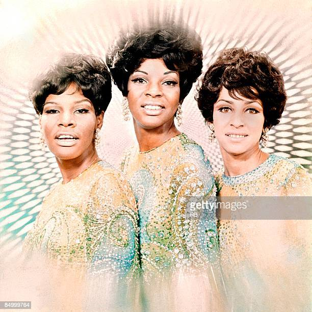 Photo of Sandra TILLEY and Martha REEVES and Lois REEVES and Martha REEVES The Vandellas Posed group portrait LR Lois Reeves Martha Reeves and Sandra...