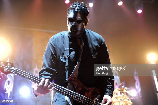 ARENA Photo of SLIPKNOT and Paul GRAY Paul Gray performing on stage