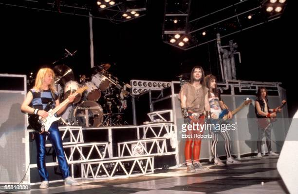 GARDEN Photo of Steve HARRIS and Bruce DICKINSON and IRON MAIDEN and Dave MURRAY and Adrian SMITH LR Dave Murray Bruce Dickinson Steve Harris Adrian...