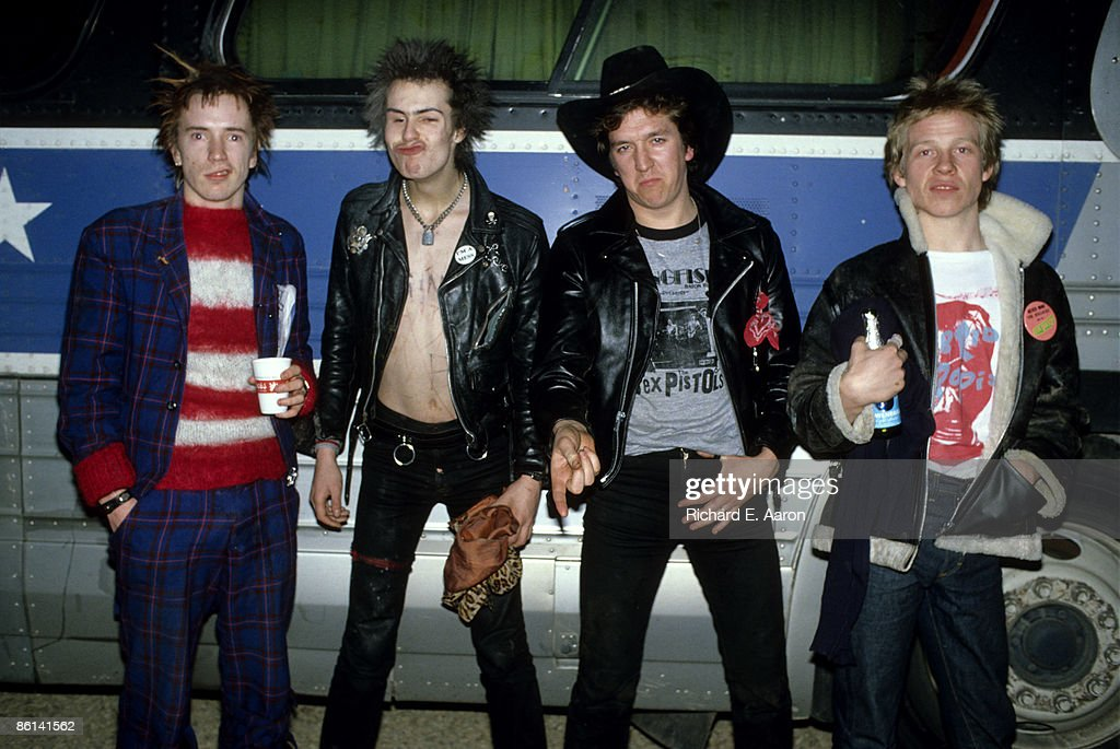 USA Photo of Steve JONES and SEX PISTOLS and Johnny ROTTEN and Sid VICIOUS, Johnny Rotten (John Lydon), Sid Vicious, Steve Jones & Paul Cook, posed, group shot, next to the tourbus, on final tour