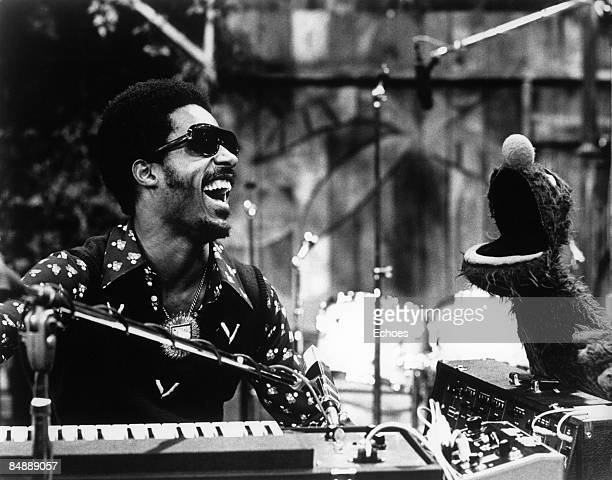 USA Photo of Stevie WONDER Stevie Wonder appears on Sesame Street with SS character Grover to perform Superstitious and a Sesame Street Jam BW