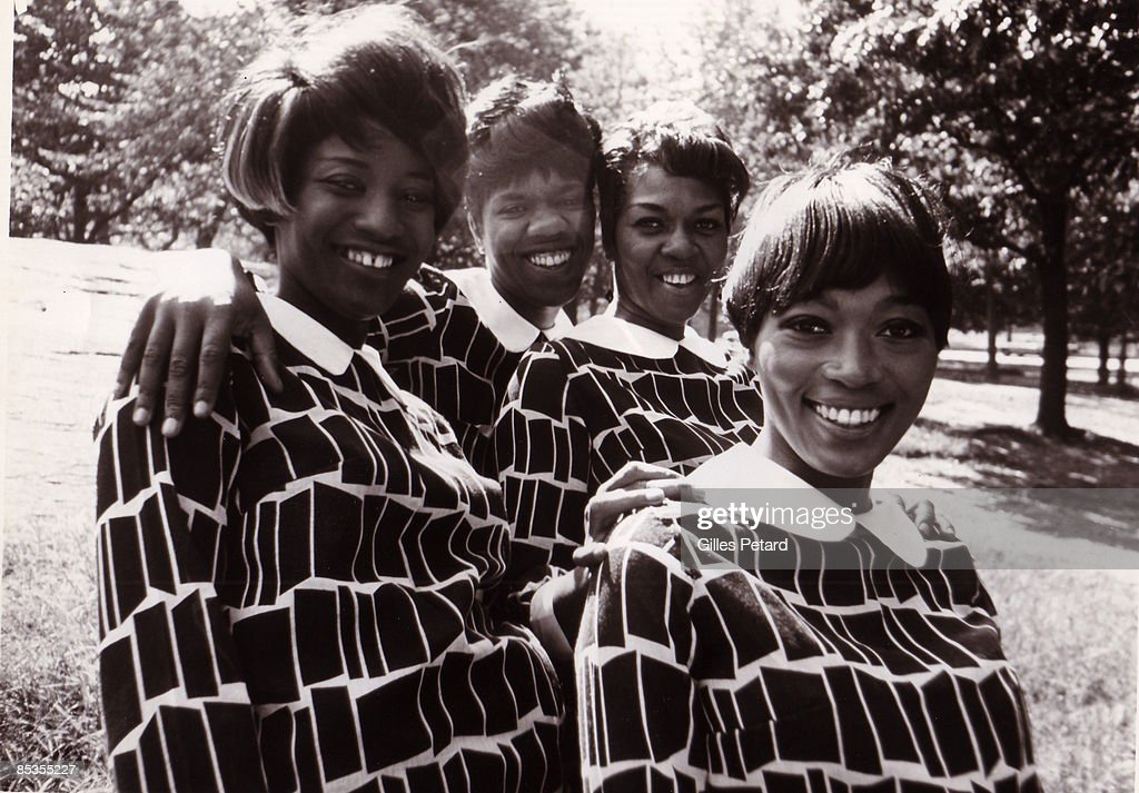 Photo of SWEET INSPIRATIONS and Cissy HOUSTON; Posed group portrait of the Sweet Inspirations
