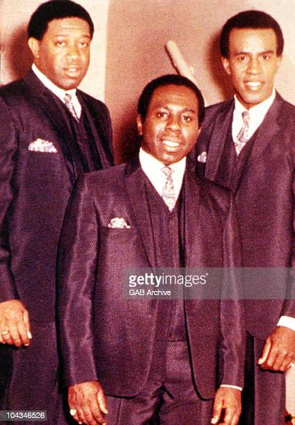 Photo of The Impressions LR Fred Cash Curtis Mayfield Sam Gooden