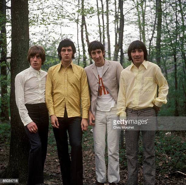 Photo of The Who Roger Daltrey John Entwistle Pete Townshend Keith Moon posed group shot