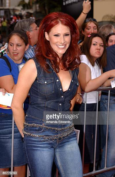 HOLLYWOOD Photo of TIFFANY Tiffany arrives at the Kodak Theater in Hollywood for the grand finale of American Idol 5 September 2002