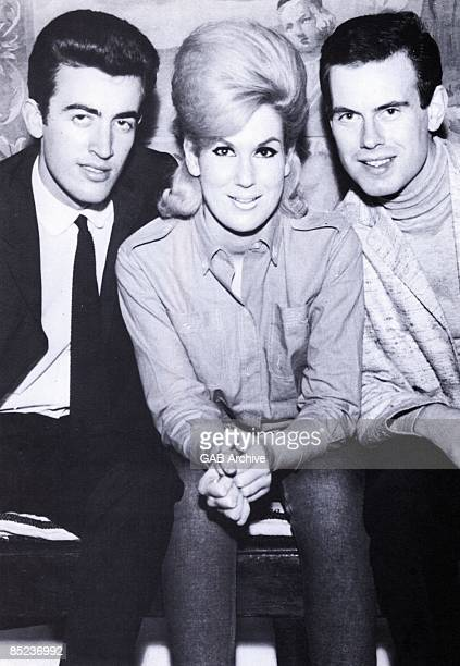 Photo of Tom SPRINGFIELD and Dusty SPRINGFIELD and Mike HURST and SPRINGFIELDS LR Mike Hurst Dusty Springfield Tom Springfield posed group shot...
