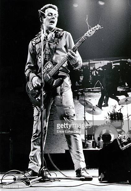THEATRE Photo of Topper HEADON and CLASH and Joe STRUMMER Joe Strummer and Topper Headon performing live onstage White Riot tour