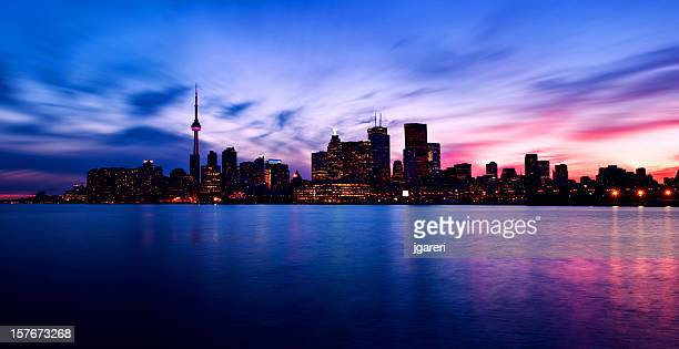 Photo of Toronto skyline at night