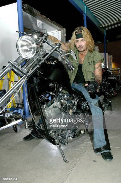 Photo of Vince NEIL and MOTLEY CRUE Vince Neil posed on motorbike
