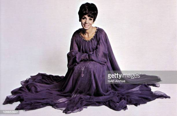 Photo of Welsh singer Shirley Bassey circa 1965