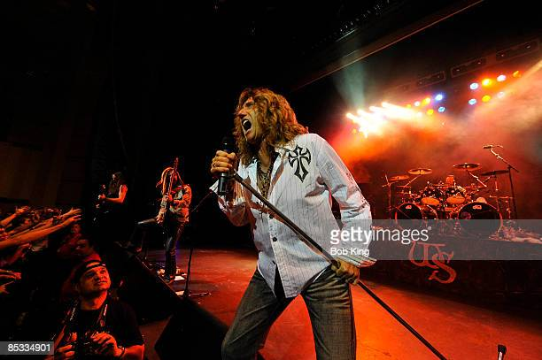 THEATRE Photo of WHITESNAKE and Reb BEACH and Uriah DUFFY and David COVERDALE and Chris FRAZIER LR Reb Beach Uriah Duffy David Coverdale and Chris...