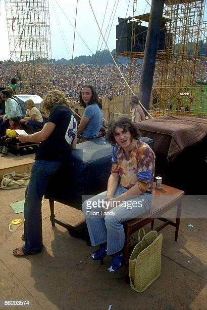 FESTIVAL Photo of WOODSTOCK and Joe COCKER 8bit RGB flat Mac byte order uncompressed TIFF file 2409x3600 pixels @ 30000 pixels/inch written by Adobe...