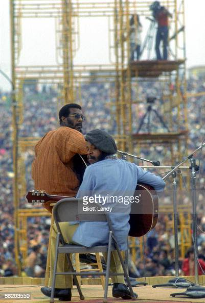 FESTIVAL Photo of WOODSTOCK and Richie HAVENS Richie Havens Woodstock Bethel NY 1969