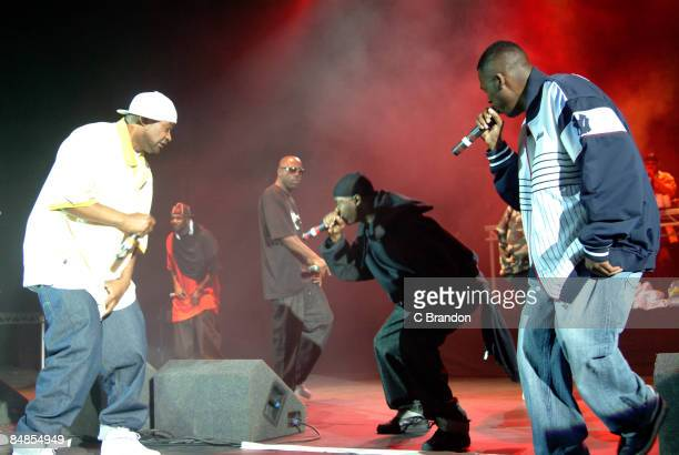 APOLLO Photo of WU TANG CLAN performing live onstage