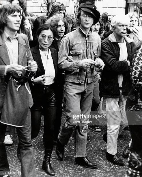 USA Photo of Yoko ONO and John LENNON with Yoko Ono on protest march