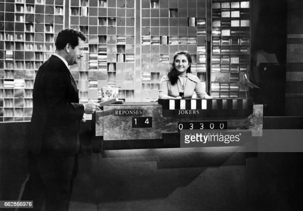 Photo prise en mars 1968 à Paris du producteuranimateur Pierre Bellemare lors de son emission Pas une seconde à perdre AFP PHOTO / AFP PHOTO /