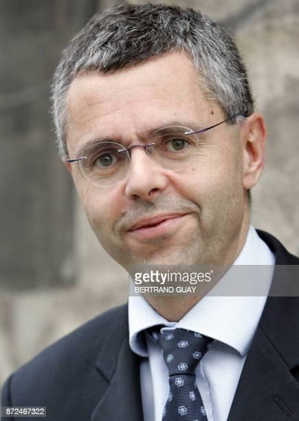 Photo prise le 08 novembre 2006 à Paris de Michel Combes PDG de TDF l'un des principaux diffuseurs français de radio et de télévision AFP PHOTO...