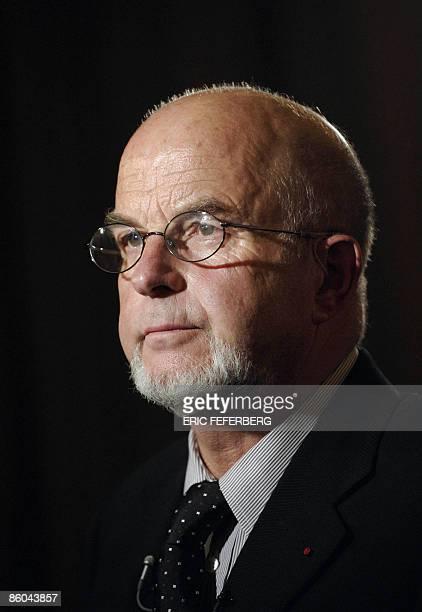 Photo prise le 14 décembre 2005 à Paris d'Antoine Zacharias lors d'une conférence de presse Une enquête préliminaire a été ouverte le 20 avril 2009...