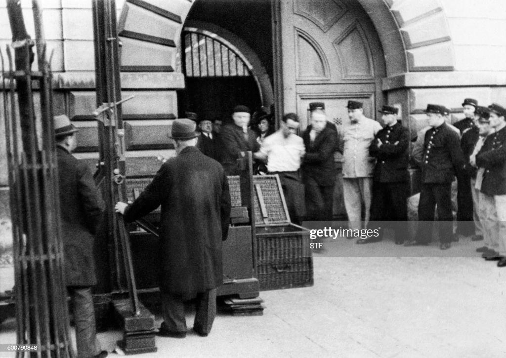 photo prise le 17 juin 1939 d 39 eugen weidmann condamn mort pour pictures getty images. Black Bedroom Furniture Sets. Home Design Ideas