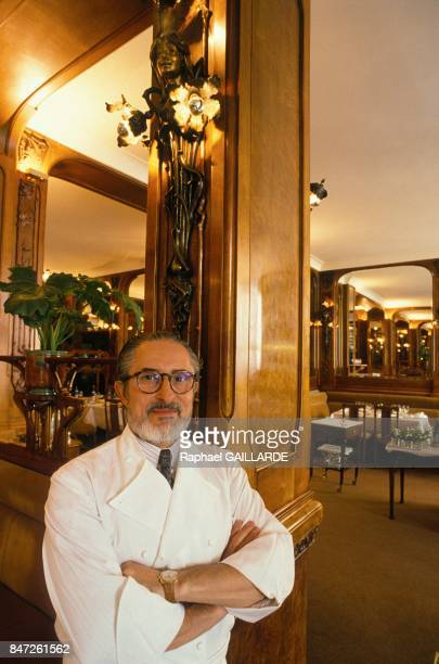 Photo session of French chef Alain Senderens at three star Michelin restaurant 'Lucas Carton' on May 31 1989 in Paris France