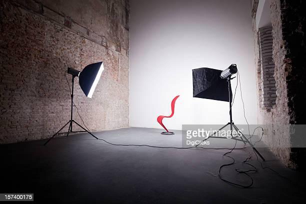 写真撮影の赤い椅子